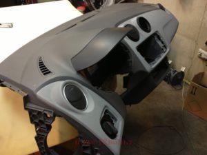 Ремонт торпед автомобиля или передней панели автомобиля