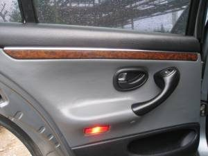 ремонт и перетяжка дверных панелей